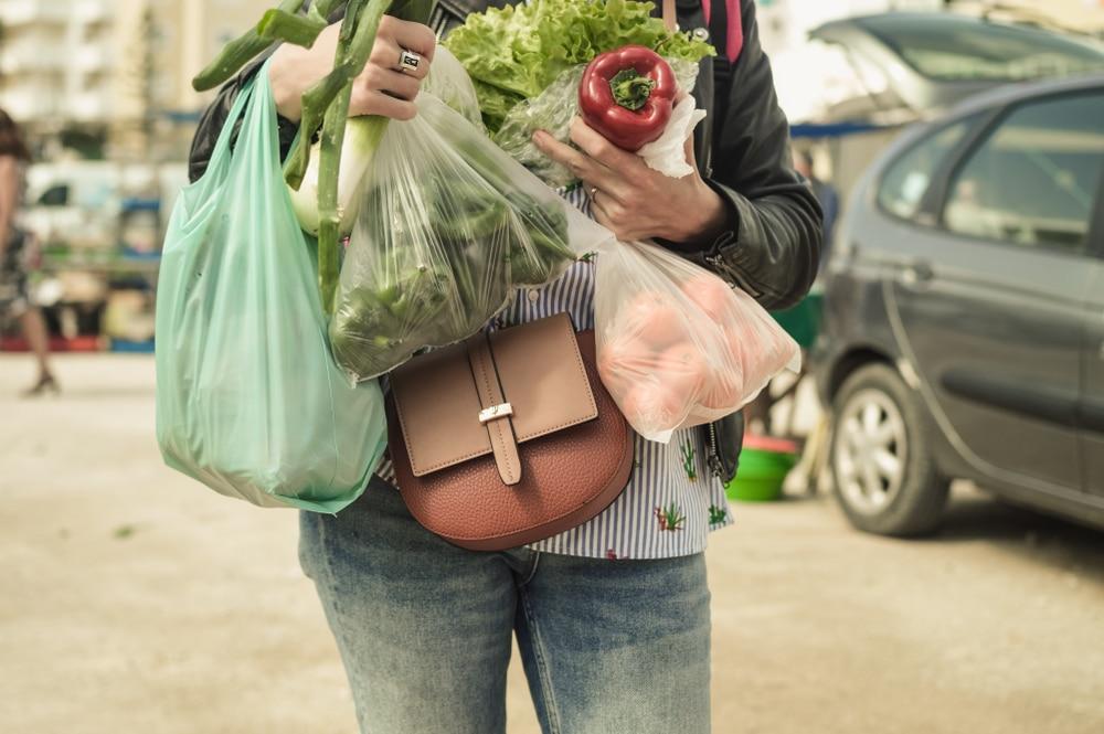 西友、7月1日から全店・全売り場でバイオマス素材配合レジ袋に切り替え、有料化