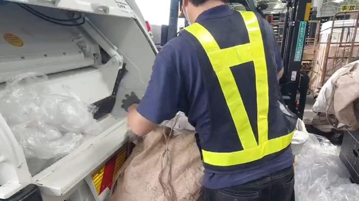 再生材ごみ袋「FUROSHIKI」、原料の廃プラスチック70tを40社から回収、累計100t超に