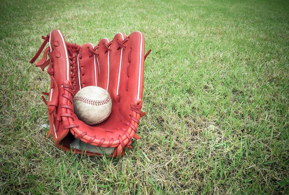 「野球グローブ再生工房Re-Birth」がオープン。グローブの買取・再生・リメイクに特化