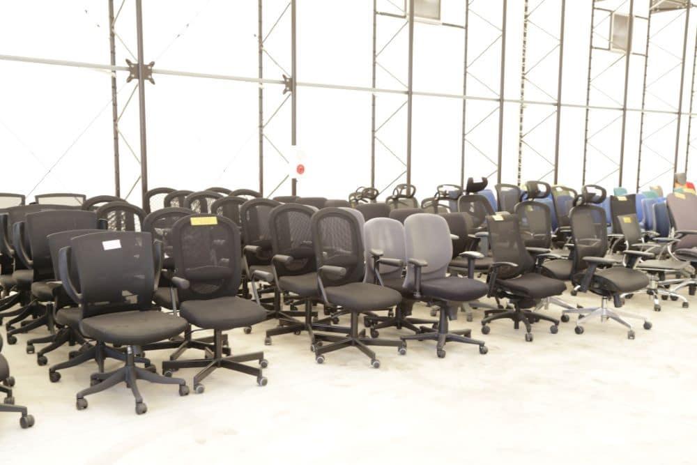 オフィスから回収した椅子