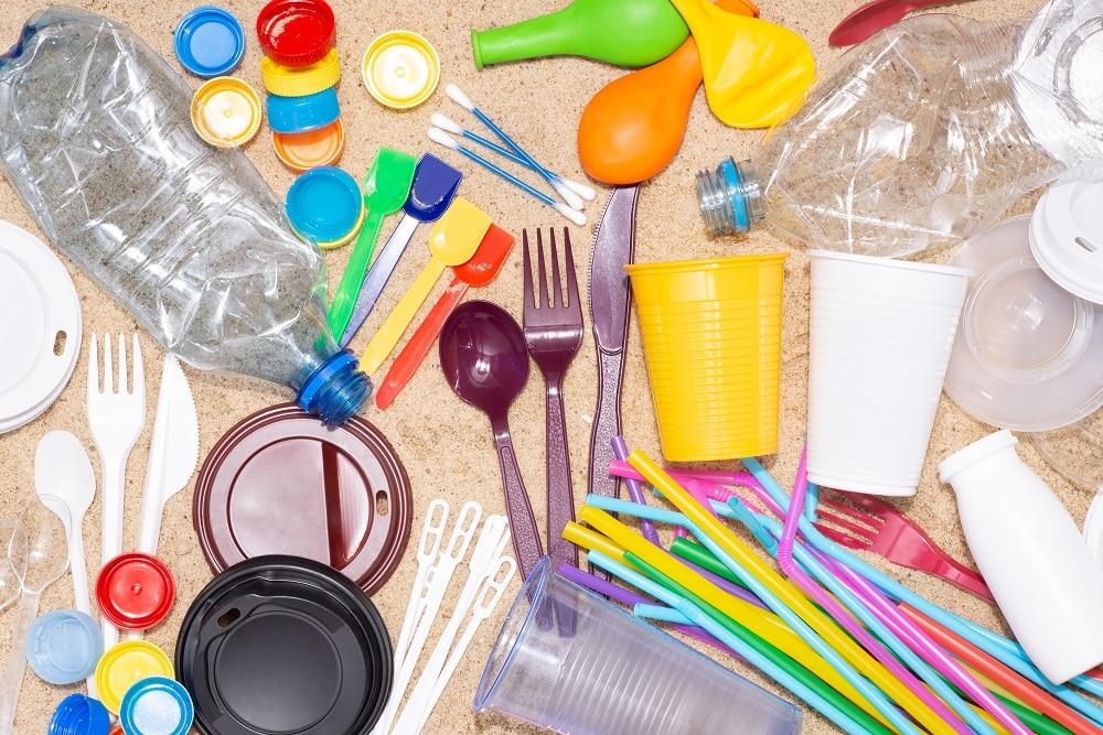 プラスチック新法成立に際し、NGOが共同提言。プラ製品大幅削減のための対策導入を訴える