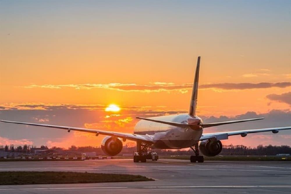 英ヒースロー空港、持続可能な航空燃料を混合した燃料供給に成功。ネットゼロに向けて前進