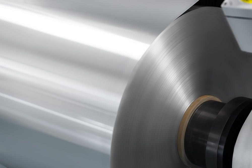 米ノベリス、日産にアルミニウムボディシートを供給。クローズドループリサイクルシステムを構築