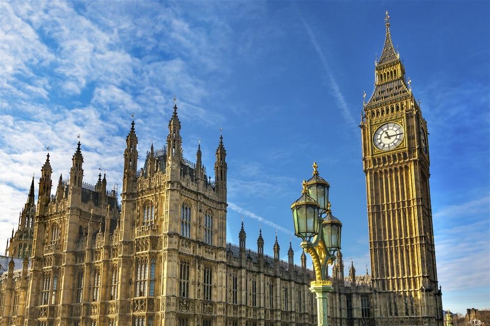 英国、ネットゼロ移行に必要なスキルに関するレポートを発表。労働者のスキル支援を提案