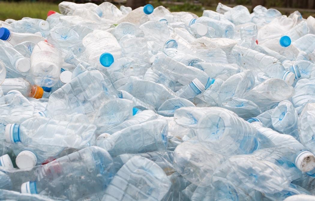 キリンとローソン、ペットボトル回収実証実験を開始。ボトルtoボトルの比率向上を目指す