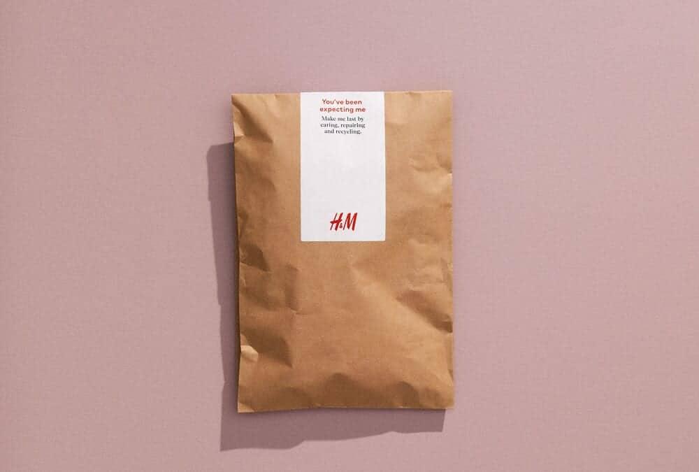H&M、オンライン購入商品の配達袋を紙製に。FSC認証取得済で再利用・リサイクル可能